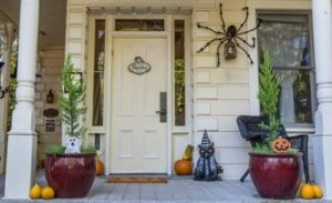 jakes-moving-and-storage-fall-decorating-tips-front-door