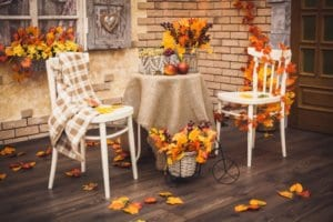 jakes-moving-and-storage-fall-decorating-tips-outdoors